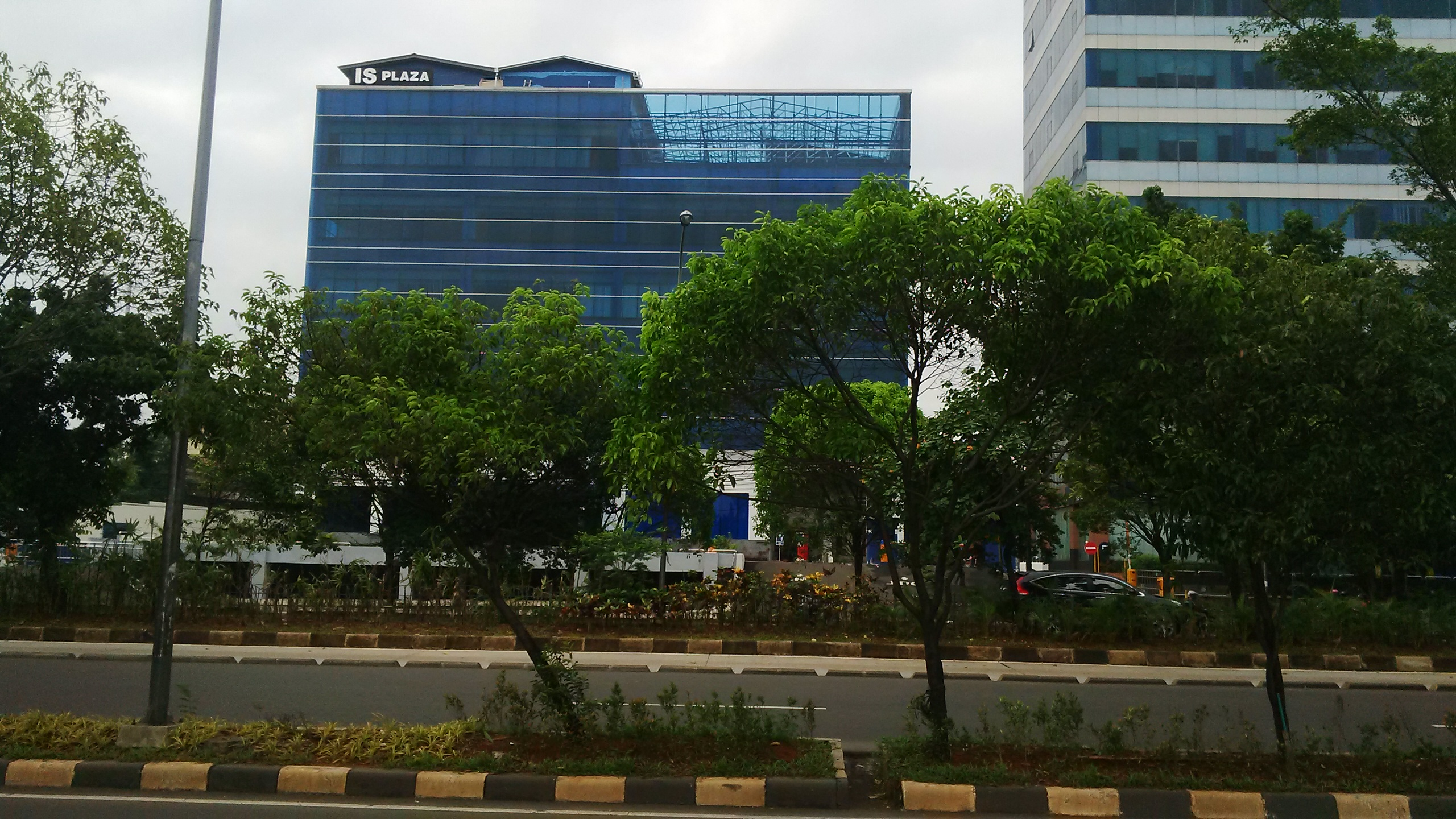 gedung is plaza